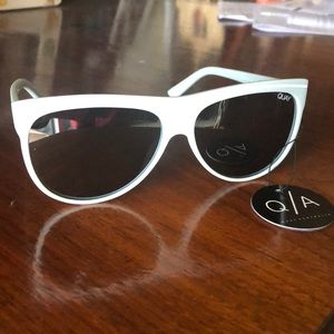 QUAY Australia Hollywood Nights sunglasses